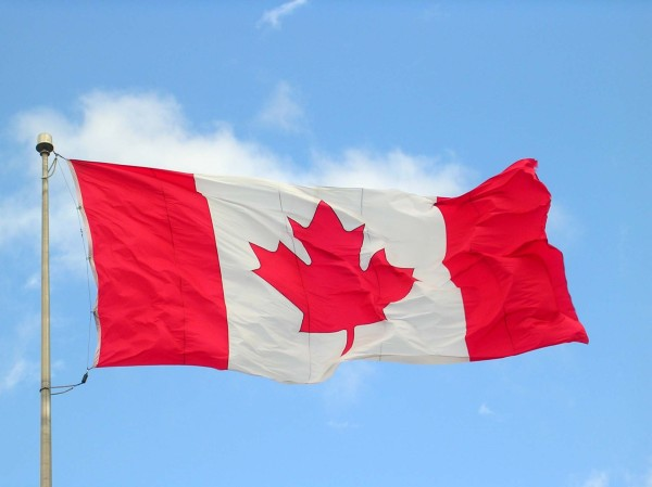 Canada_flag_halifax_9_-04[1]