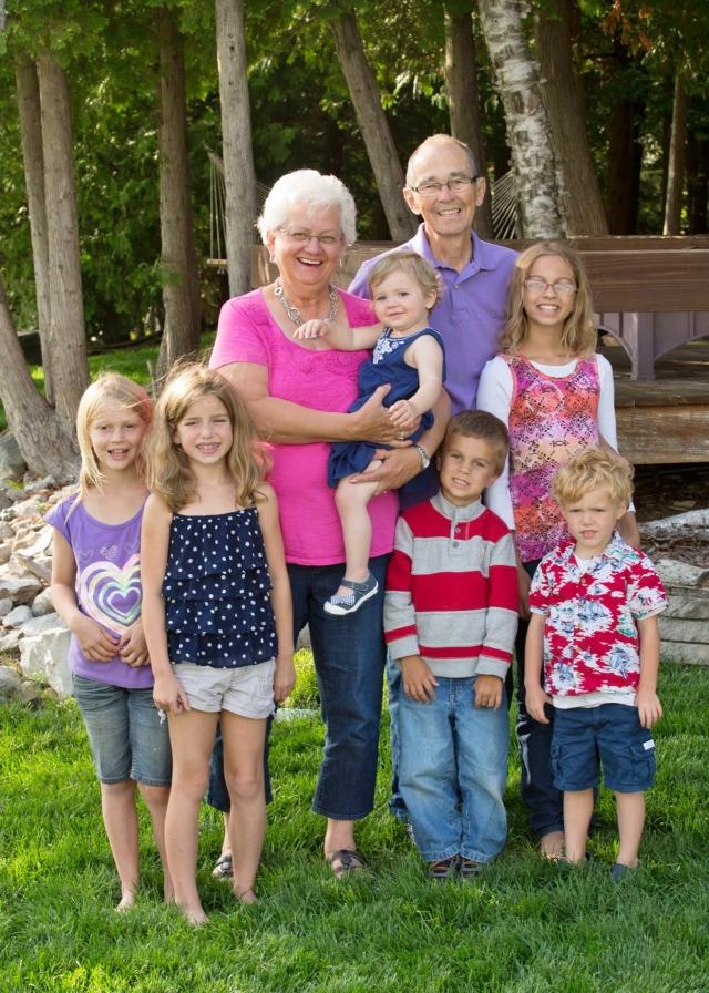 Wayne & Ruth Hugen with Grandchildren