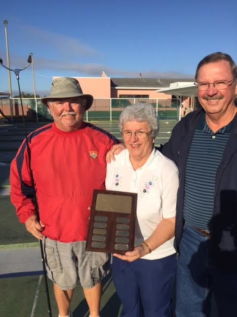Comford-Hoekstra win Nat'l Championship. Dolores Brown presents the Plaque!!